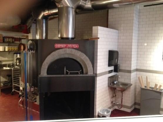 Pizzeria Vetri Renato oven